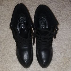 C. Label boots